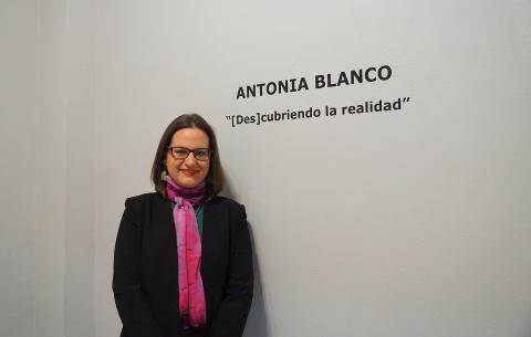 """Antonia Blanco en la inauguración de la exposición """"[Des] cubriendo la realidad"""""""