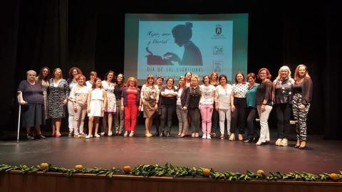 Junto a un gran número de escritoras en Torredelcampo