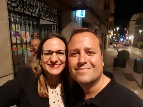 Junto al escritor Ramón Cruz Alcázar