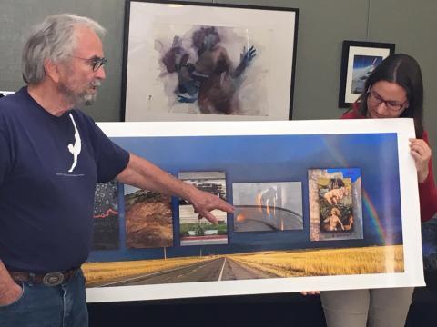 Con el artista Jack Fulton, durante una presentación de su trabajo en Richmond Point, California