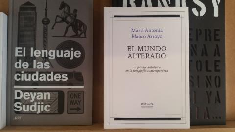 """""""El mundo alterado"""" en la Librería Caótica"""